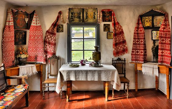 Українська хата: без підлоги, але з долівкою